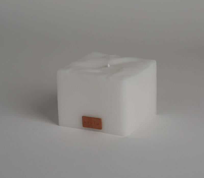 Porcelain White Scented Candle medium