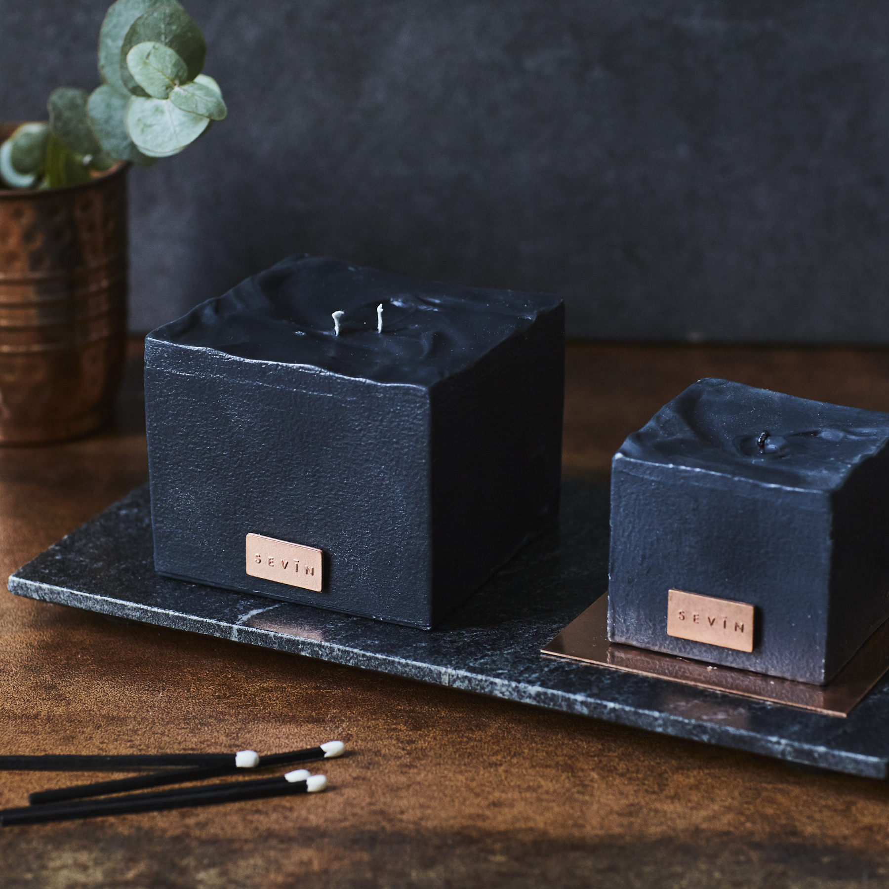 marble black candles